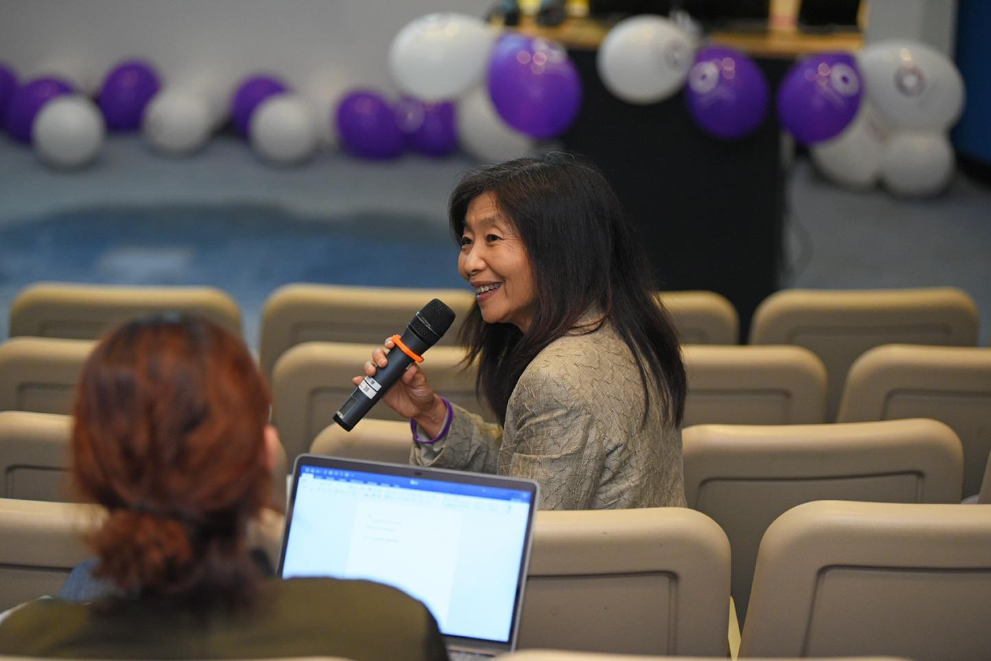 Dr Sabrina Lin expressing her views.