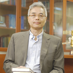"""HKUST, President, Prof Wei Shyy, recommended a book named """"Marie Curie A Life""""."""